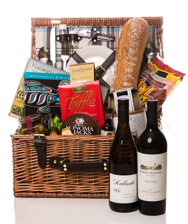 Bridal Shower Gift Basket Climbing On House Halloween: Wine Country Duet Picnic In The Park Gift Basket
